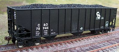 Motrak Models 81904 HO Coal Loads for Bachmann 100 Ton 3-Bay Hopper (2)