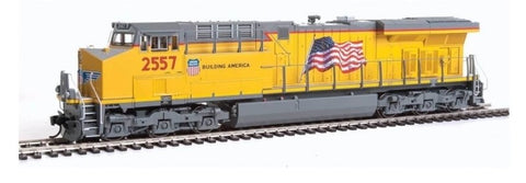 Walthers 910-10174 HO Union Pacific GE ES44AH Evolution Series GEVO #2557