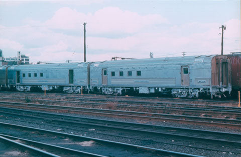 The Coach Yard 1203 HO Atchison Topeaka Santa Fe LW RPO 60' Compartment