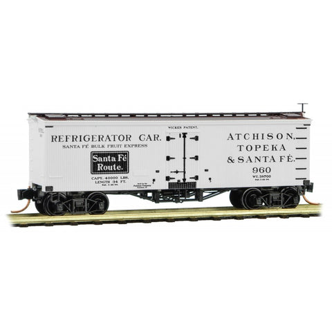 MicroTrains 05800380 N ATSF 36' Wood Sheathed Ice Reefer #960