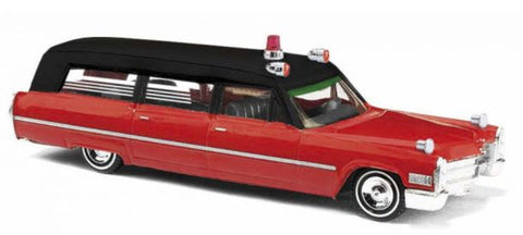 Busch 42902 HO Cadillac 66 Station Wagon 'Ambulance Chicago'
