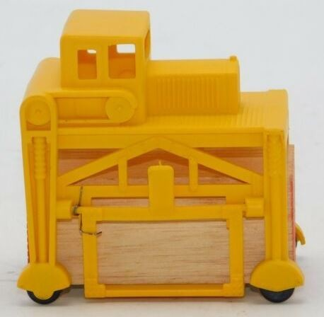 Cox 6234-3 HO Lumber Carrier with Lumber Load