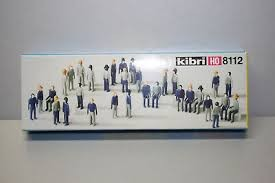 Kibri 8112 HO Standing & Sitting Adult Unpainted Figures (Set of 32)