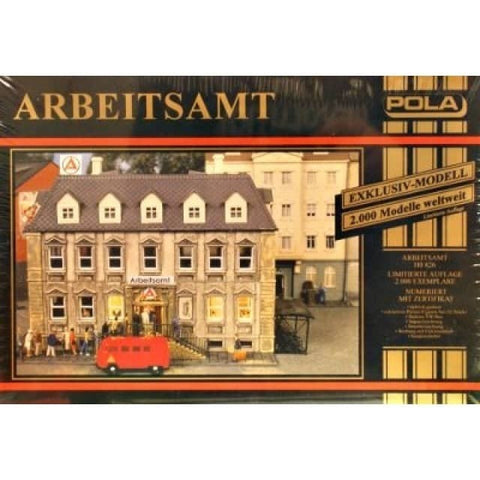 Pola 826 HO Arbeitsamt Employment Office Building Kit