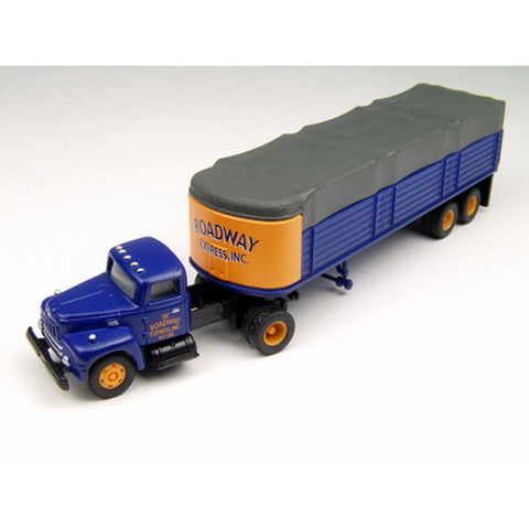 Classic Metal Works 31128 HO International R-190 Tractor w/32' Covered Wagon Tractor - Roadway