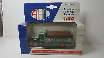 AHL L01042 1:64 Diecast Purina Dog Chow Car