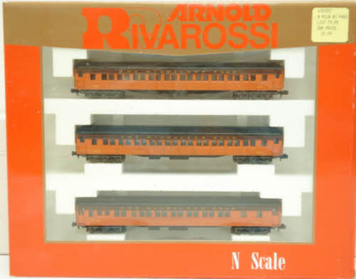 Rivarossi 0557 N Milwaukee Road 3-Car Passenger Set