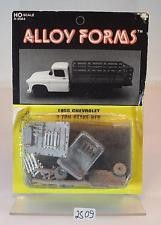 Alloy Forms 2044 1:87 1955 Chevrolet 2Ton Stake Truck