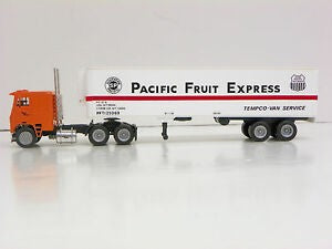 Con-Cor 0004-001016 HO Tractor Trailer Southern Pacific Fruit Express