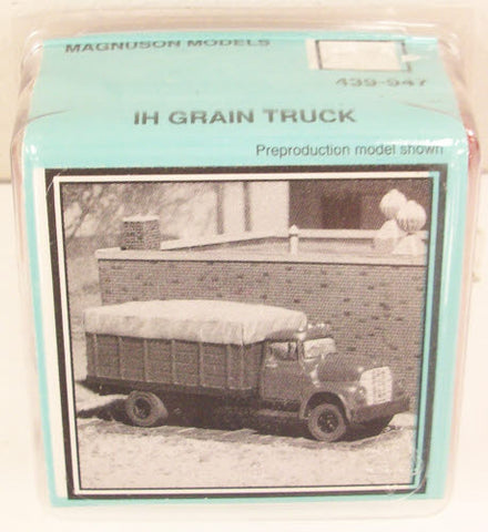 Magnuson Models 439-947 HO Grain Truck Kit