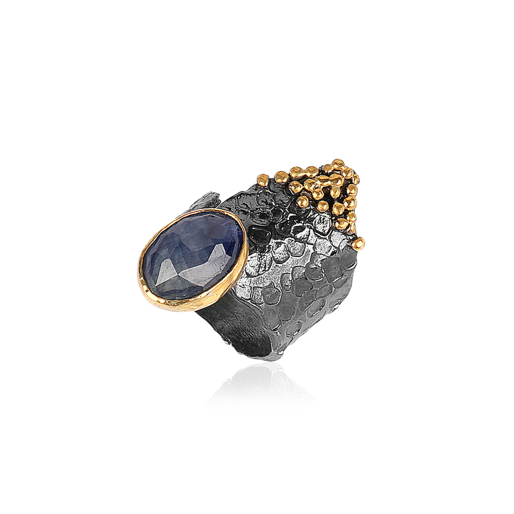 SAPPHIRE SHARK TOOTH RING