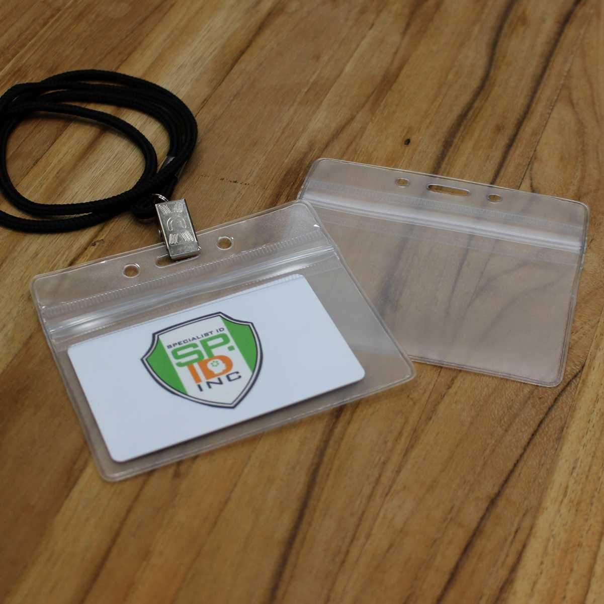 Horizontal Vinyl Badge Holder with Zipper Top (SPID-VZHCLR)