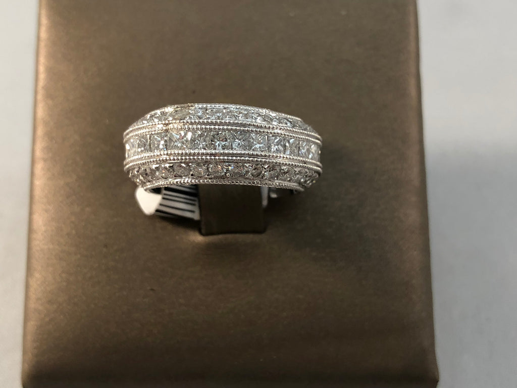 18KT WHITE GOLD DIA ETERNITY BAND 3.59CTW