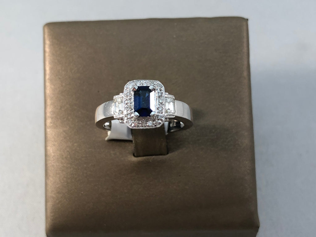18KT WHITE GOLD DIA AND SAPPHIRE RING