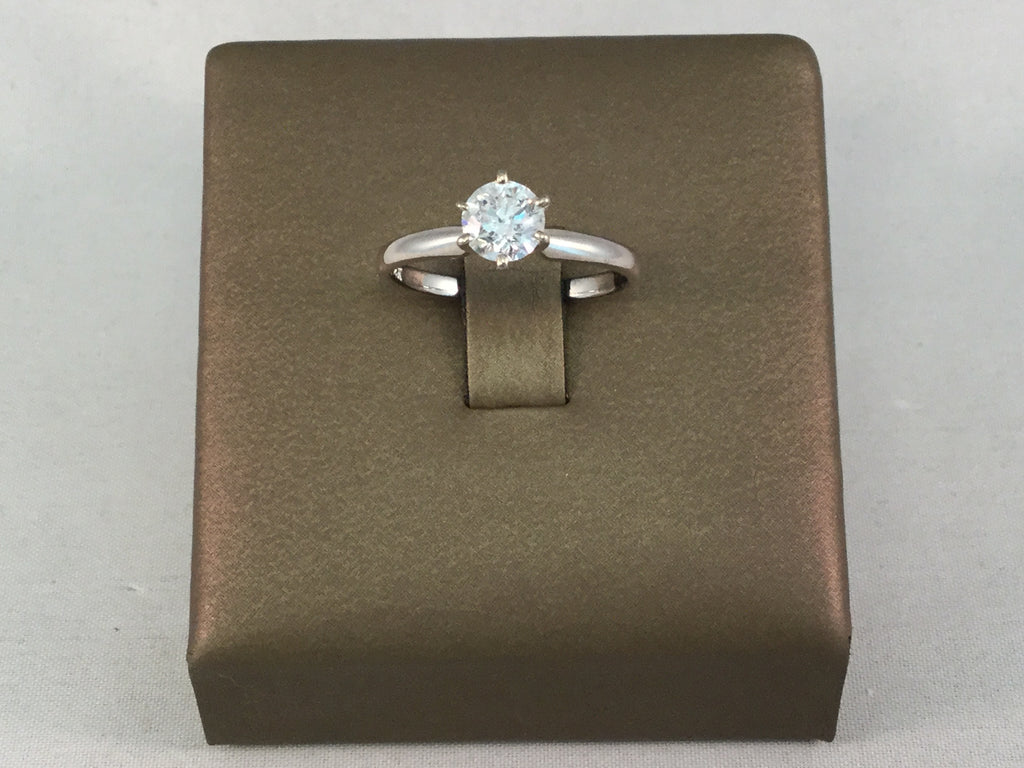 14KT DIAMOND SOLITAIRE RING