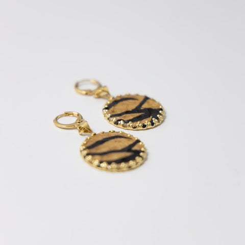Image of Tiger Earring