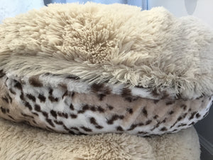 "Bessie and Barnie MEDIUM 36"" Blonde Aspen Bagel Dog Bed"