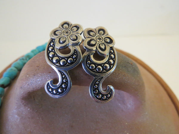 10113 New GIST SILVERSMITHS Sterling Silver Flower Post Earrings