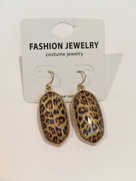 Oval Shape Hook Earrings - ivory/leopard