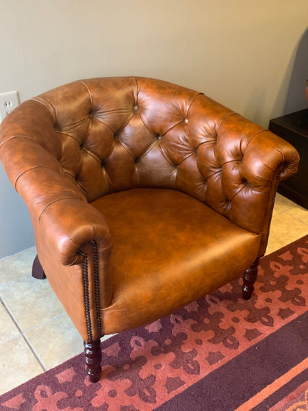Oxford Tub Chair in Vintage Tan Leather