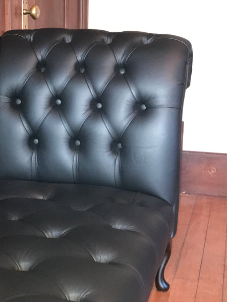 Duchess Chaise in House Black Leather