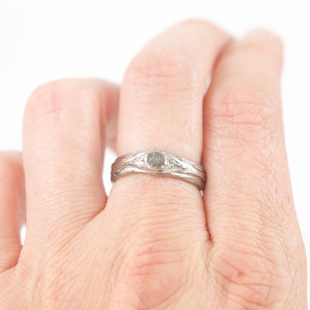 Tree Bark Love Knot Ring with Rough Sapphire in Palladium/Silver - size 5 - Ready to Ship - Beth Cyr Handmade Jewelry