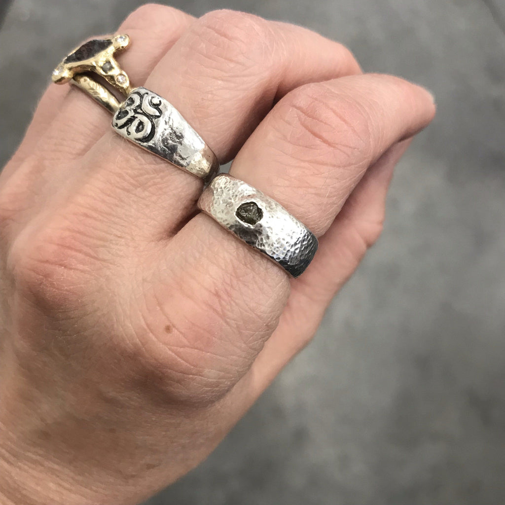 Tiny Hammered Dimpled Band with Rough Diamond in Palladium Sterling Silver - size 5.5 - Ready to Ship - Beth Cyr Handmade Jewelry