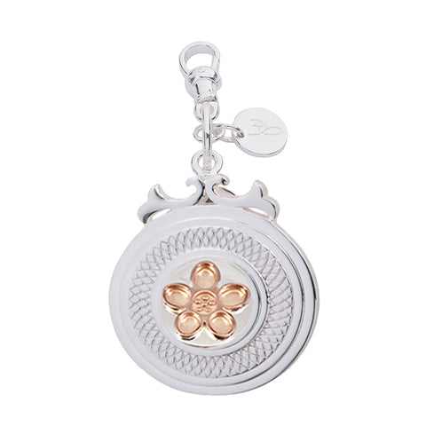"Daisy Sterling Silver Declaration Pendant ""Bloom"" - Large"