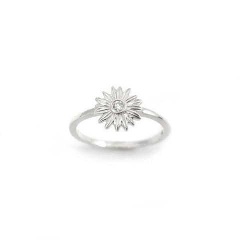 NICK VON K DIAMOND DAISY RING