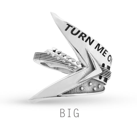 'Turn Me On' Flying V Ring