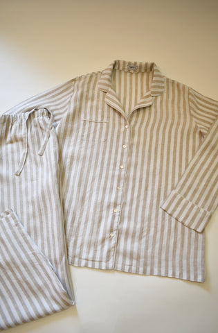 OAtmeal pajama set with seamfree trousers. 100% Italian Linen