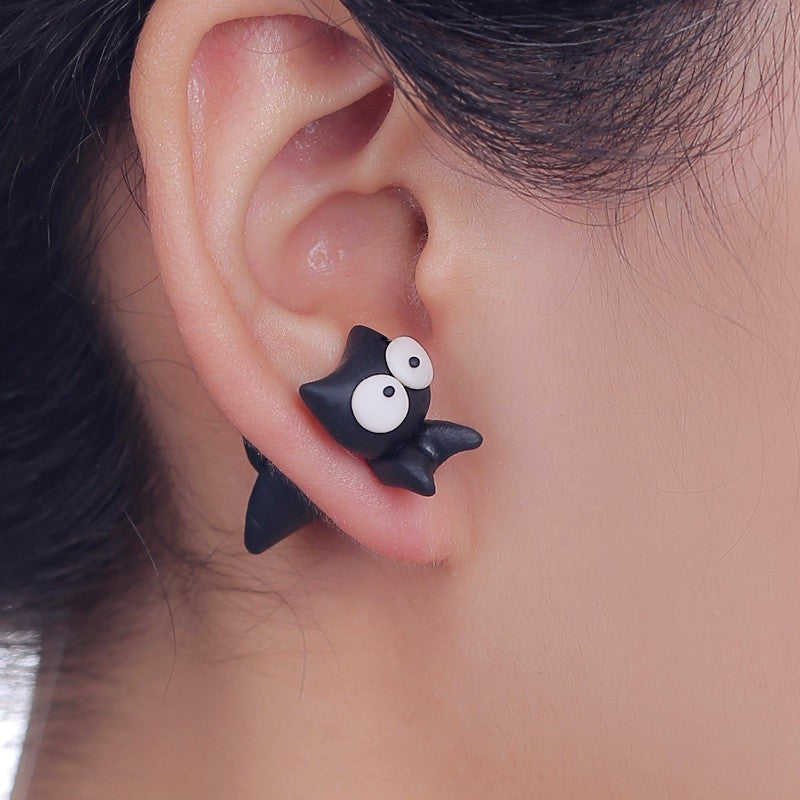 3D White Eyes Cat Stud Earrings