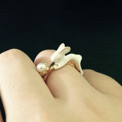 Racing Rabbit Pearl Ring