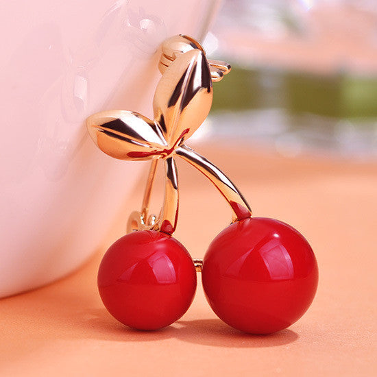 Cherry Brooch Pin in Red Gold