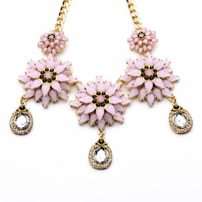 Porcelain Flowers Necklace in Pink