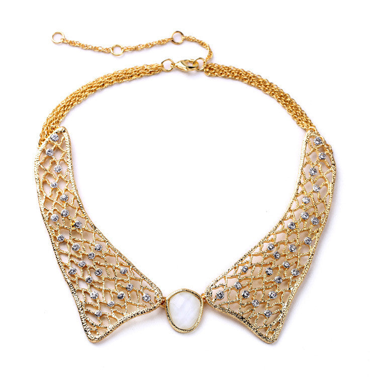 Elegant Gold Collar Necklace with White Stone
