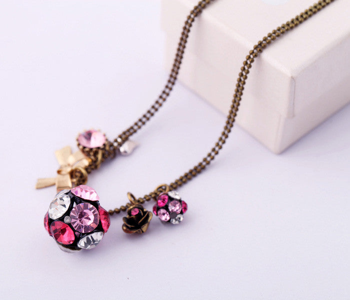 Ball Necklace in Pink/White