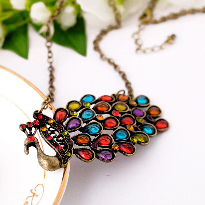Vintage Peacock Statement Necklace (red eyes)