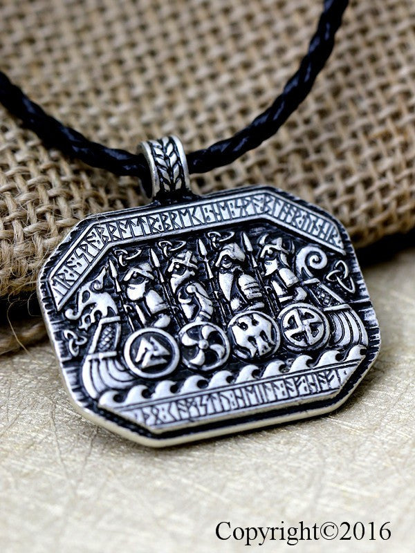 Norse Vikings Legendary The Viking Ship and Solider Battlefield Amulet Talisman Necklace