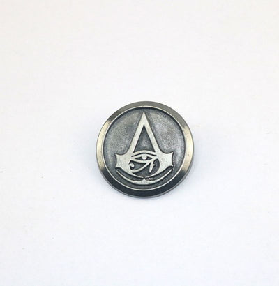 Limited Edition Assassin's Creed Connor Amulet Badge Brooch Pendant Necklace Alloy Set