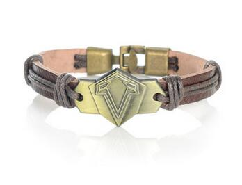 Assassin's Creed Origins bracelet Assassin's Creed Monsters ghost claw logo PU leather bracelet assassins jewelry Souvenirs Gift