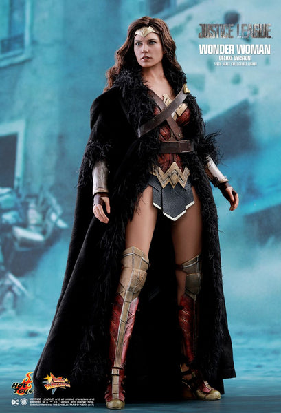 "Hot Toys ""Justice League"" Wonder Woman (Deluxe Version) 1/6 Figure"