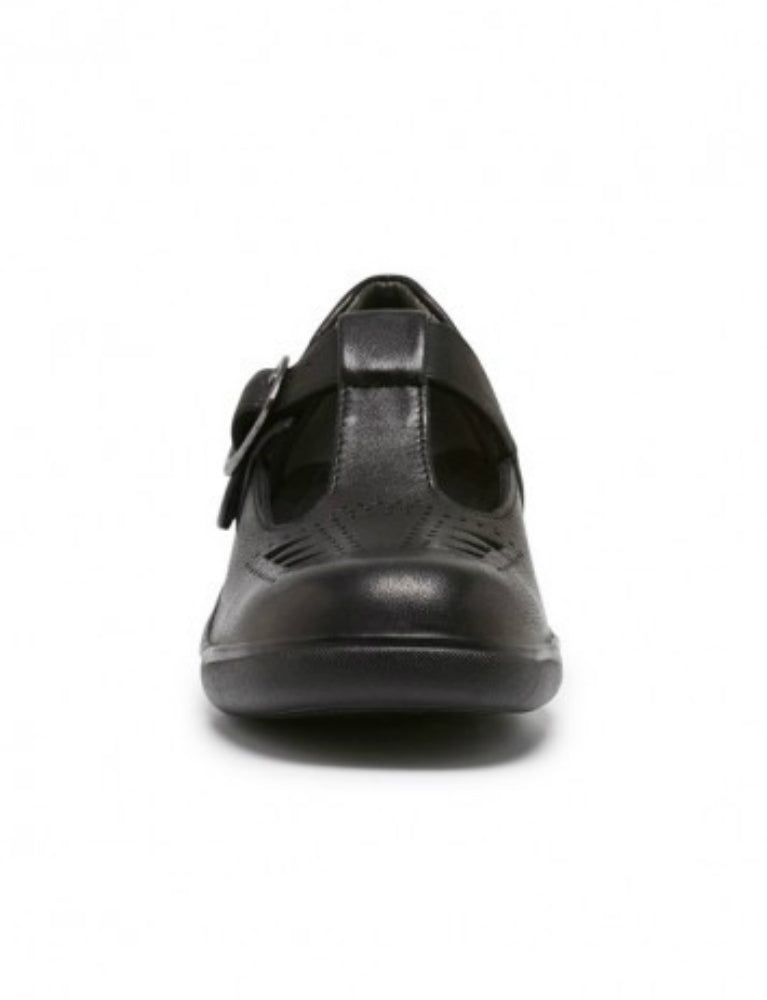 clarks pupil in black