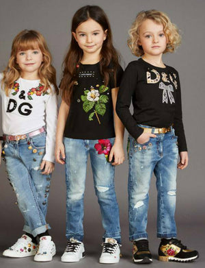 Girl regular fit jeans with fancy buttons