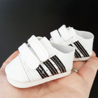 Mini - White Kicks