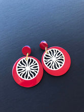 Charger l'image dans la galerie, Lady in Red Earrings / Buffalo Horn