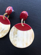 Load image into Gallery viewer, Buffalo horn earrings in round shape and red color