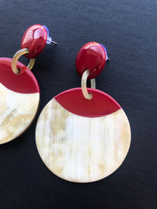 Buffalo horn earrings in round shape and red color
