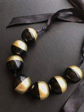 Load image into Gallery viewer, Lacquered Buffalo Horn Necklace