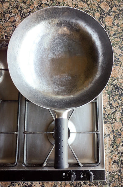 Genuine 100% Hand Hammered Wok. Regular 32 cm